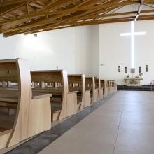 Di Gregorio è anche produzione su misura di arredi sacri ed ecclesiastici